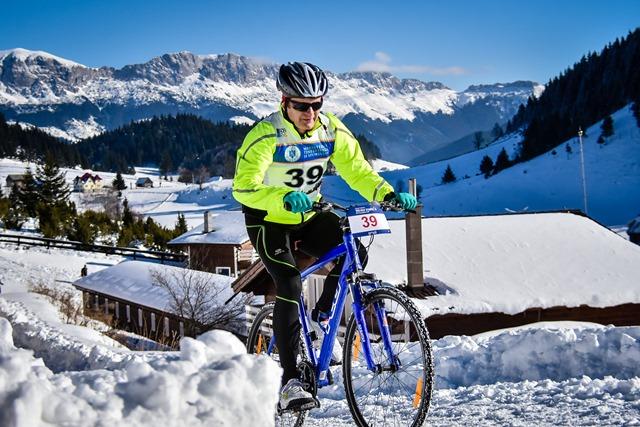 Zoli pe bicicletă la Cheile Grădiștei Fundata