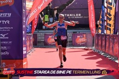 Zoli la finish Titans Triathlon